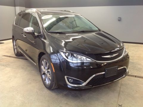 PRE-OWNED 2018 CHRYSLER PACIFICA LIMITED FWD 4D PASSENGER VAN